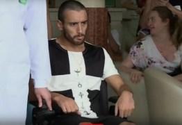Alan Ruschel recebe alta e é 1º sobrevivente brasileiro a deixar hospital