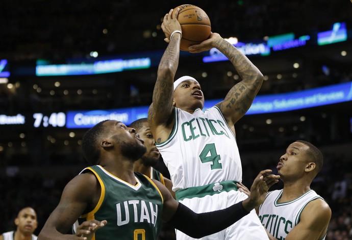 2017 01 04t012008z 95090906 nocid rtrmadp 3 nba utah jazz at boston celtics - Isaiah Thomas comanda outra vez, Celtics vencem o Jazz e mostram força