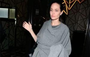 angelina 1 284581 36 285364 36 300x190 - Angelina Jolie comenta primeiros dias como professora: 'borboletas no estômago'