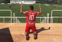 Camisa 10 do Auto, Arthur festeja gol na estreia e confia no time na Copinha
