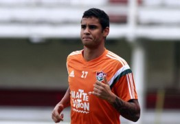 Atacante do Fluminense sofre traumatismo craniano após acidente e está na UTI