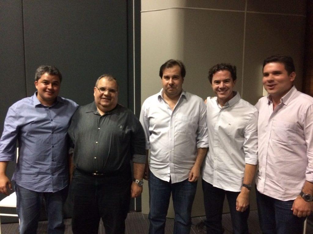 deputados paraibanos Rodrigo Maia - Pré-candidato a mesa, Rômulo Gouveia e deputados paraibanos participam de encontro com Rodrigo Maia