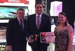 Deputado Jullys Roberto recebe prêmio Político Destaque 2016
