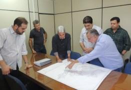 Manoel Junior realiza visita a sede da Semob-JP