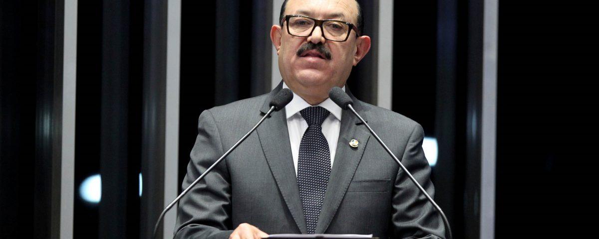 25 10 16 Senador Deca plenario 7 1200x480 - Retomada da geração de empregos é mais um sinal da recuperação da economia brasileira, diz Deca
