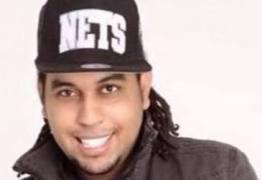 Músico do grupo de pagode Karametade é suspeito de matar argentino em briga de bar no RJ