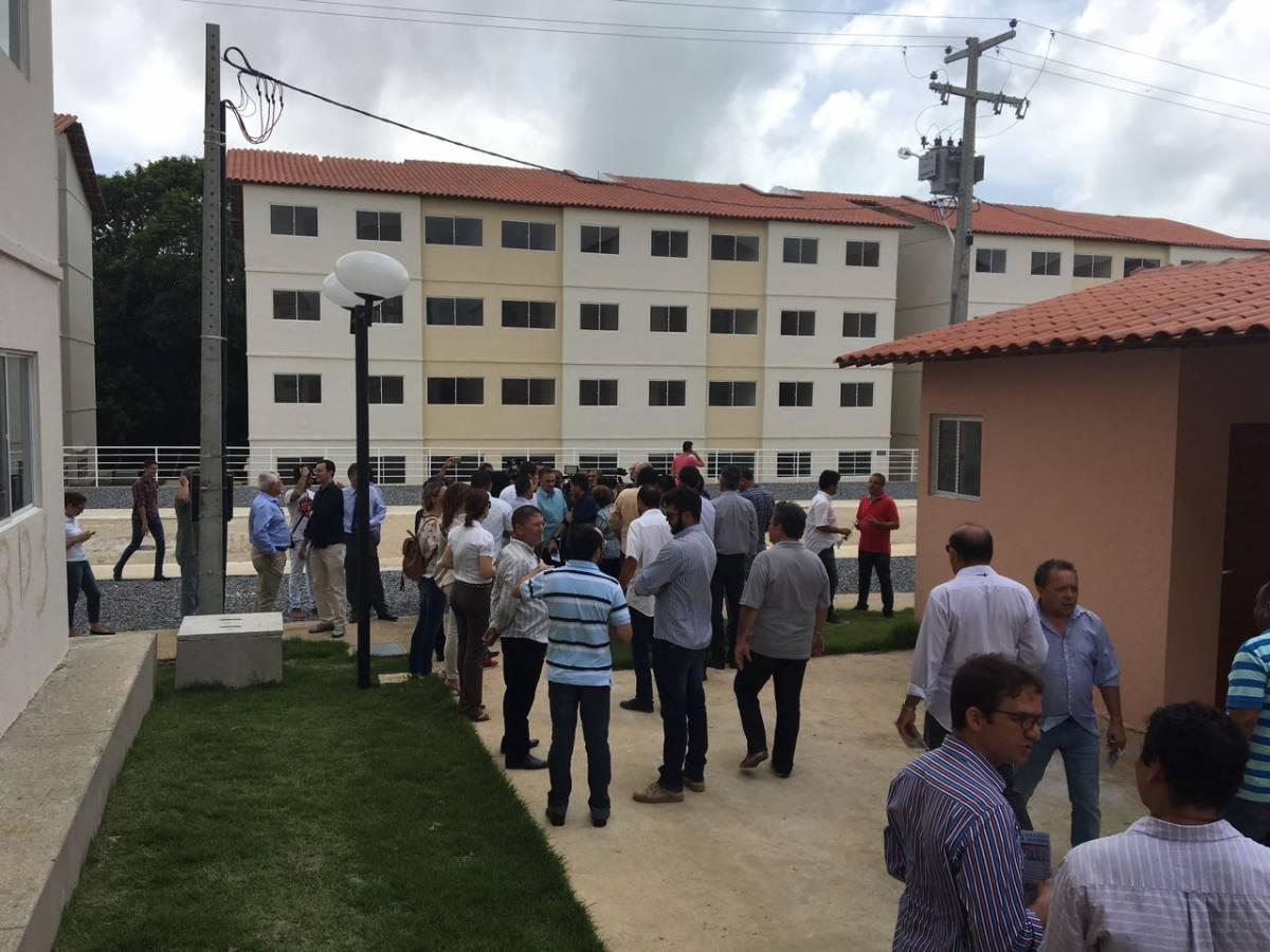 WhatsApp Image 2017 03 31 at 10.31.51 - VEJA VÍDEO: Cartaxo faz visita técnica ao Residencial Nice e descarta pré campanha
