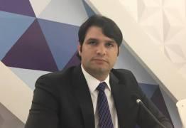Léo Bezerra inclui o nome de Estela na lista de pré-candidatos do PSB ao governo para 2018