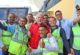 VEJA VÍDEO: Lula chega a Campina Grande sob gritos de: guerreiro, herói brasileiro