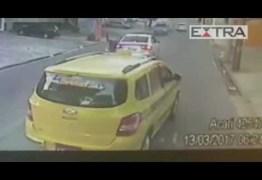 VEJA  VÍDEO: Câmera de ônibus flagra arrastão na zona norte do Rio