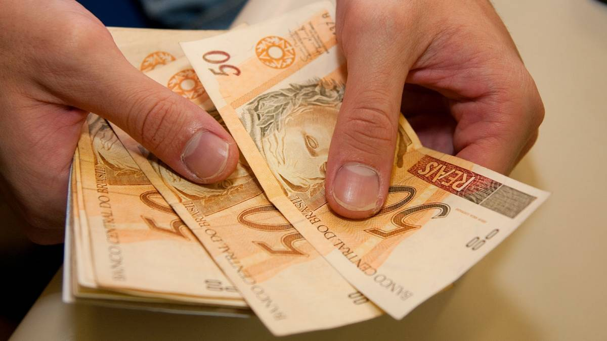 29032010dinheiro017 - Governo da Paraíba vai pagar funcionalismo nos dias 30 e 31