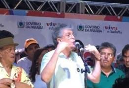 Em Sousa governador entrega investimentos para a comunidade cigana