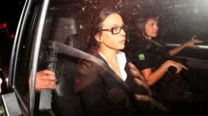 adriana ancelmo marcos arcoverde estadao 300x168 - Adriana Ancelmo barra entrada de PF em sua casa, mesmo estando em prisão domiciliar