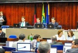 Na véspera do dia internacional contra a homofobia deputados aprovam leis que asseguram direitos ao público LGBT