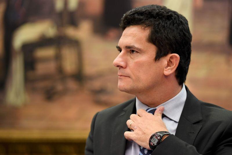 20170516080259793873u - Grupo de juristas pede prisão do juiz Sérgio Moro
