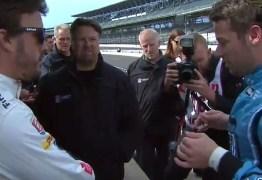 Fernando Alonso estréia com boa recepção na Fórmula Indy