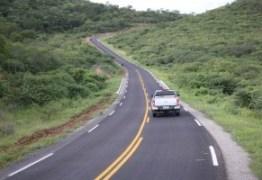 Ricardo lança livro sobre Programa Caminhos da Paraíba