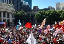 Dia do Trabalhador é marcado por protestos em todo o Brasil