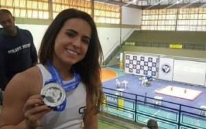 paraibana mayara 360x226 300x188 - Paraibana é vice-campeã no Brasileiro de Levantamento de Pesos