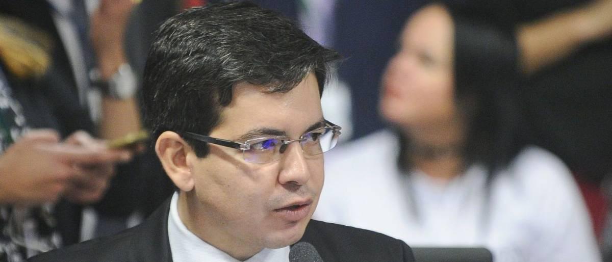 randolfe - Agressão entre senadores interrompe tramitação da reforma trabalhista