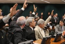 CCJ aprova proposta para rejeitar denúncia contra Michel Temer
