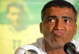 Romário chama técnico de imbecil e elogia Neymar: 'Grande nome'