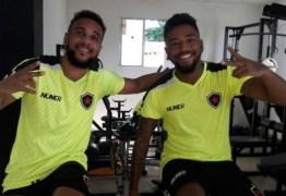 Laterais do Botafogo-PB já se recuperam fisicamente após cirurgias no joelho