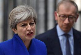 Theresa May diz que vai formar novo governo apesar de revés do Partido Conservador