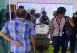 """Cantora Eliza Clívia é velada em Aracajú: """"Ela só fez boas obras. Jesus sabe disso"""", diz mãe da cantora"""