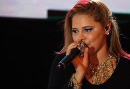 Mulher causa polêmica ao comentar morte de cantora Eliza Clívia: 'Pecadora nordestina!'