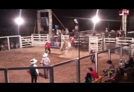 FERA INDOMÁVEL: Peão morre pisoteado por touro durante festa de rodeio – VEJA VÍDEO