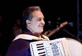 OUÇA ÁUDIO: Flávio José critica descaracterização das festas de São João pelo Nordeste
