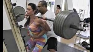graciane barbosa 300x169 - Fisiculturista afirma que Gracyanne Barbosa utiliza pesos falsos na musculação