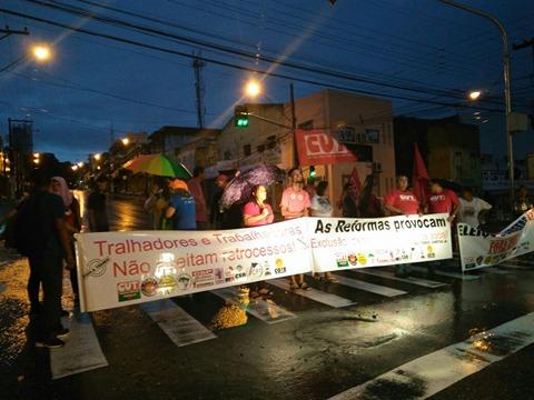 manifestação joão pessoa - Greve Geral na Paraíba é marcada por rodovia interditada e Terminal de Integração fechado
