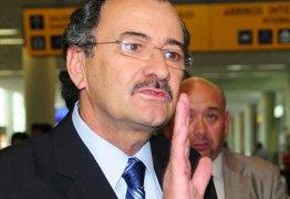 Envolvido no caso Odebrecht, controlador-geral do Equador renuncia