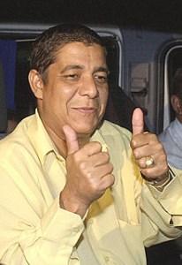 220px Zeca Pagodinho 1 206x300 - Zeca Pagodinho recebe alta de hospital após acidente no Rio