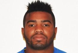 Tragédia! Jogador de futebol que atua no Oriente Médio é assassinado durante tentativa de assalto