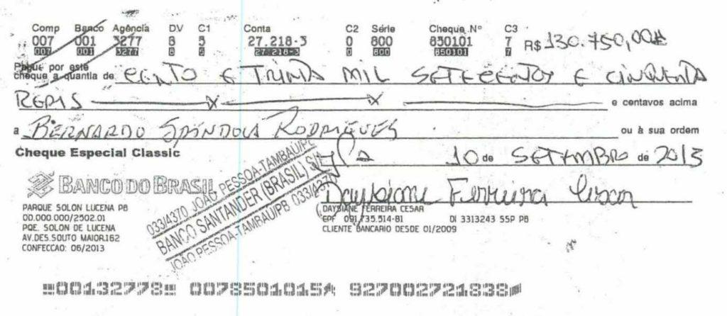 cheque-4 Grupo liderado por Tatiana Lundgren comprou R$ 238 mil em joias com cheques sem fundo