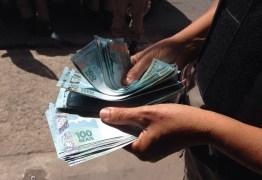 Vereadores de Santa Rita torram dinheiro público enquanto os servidores brigam pra receber salários atrasados