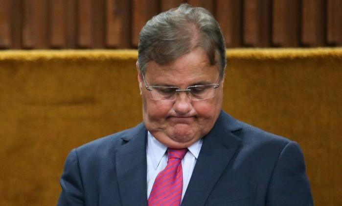geddel vieira lima - VEJA O VÍDEO: Geddel é alvo de protesto após contagem de R$ 51 milhões em Salvador