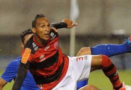 Acidente de carro com ex-jogador do Flamengo causa morte