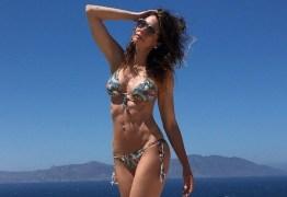 Luciana Gimenez rebate seguidor que criticou  seu corpo