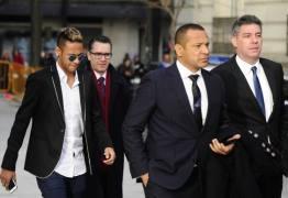 PSG pagará bônus milionário ao pai de Neymar, diz rádio espanhola