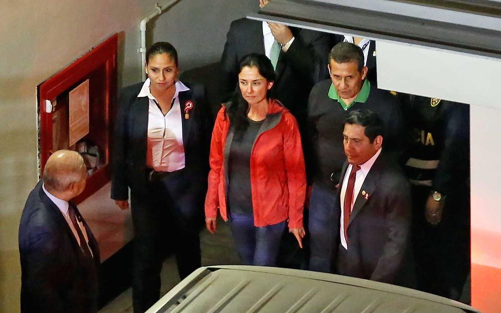 peru - Ex-presidente do Peru Ollanta Humala e sua mulher se entregam para cumprir prisão preventiva