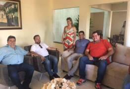 Antônio Mineral anuncia filiação ao PSB durante almoço com socialistas