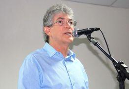 Ricardo concede coletiva à imprensa sobre o fim do racionamento de água em Campina Grande