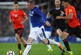 Rooney reestreia com vitória na Liga Europa