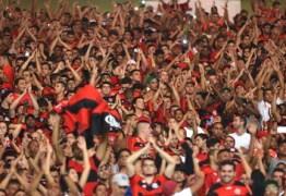 Flamengo é denunciado por arremesso de lata em São Januário