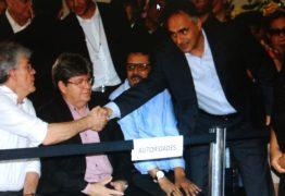SEPULTADO NOSSO GANDHI: As maiores autoridades do estado no adeus a Dom José
