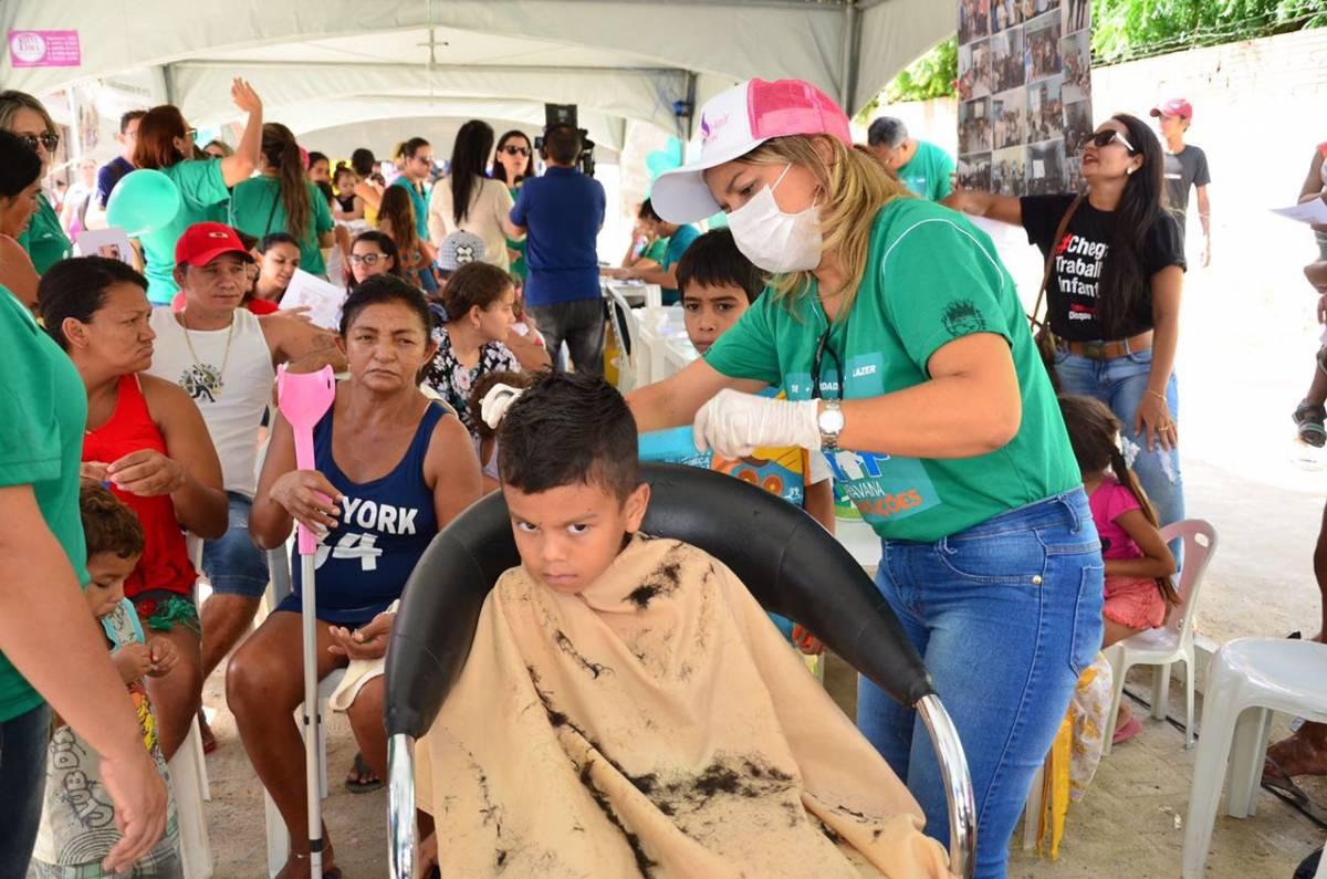4f5fed59 5f8d 4062 ba3b 39d40bc52ab0 - Moradores do bairro do Mutirão recebem caravana das boas ações em Patos